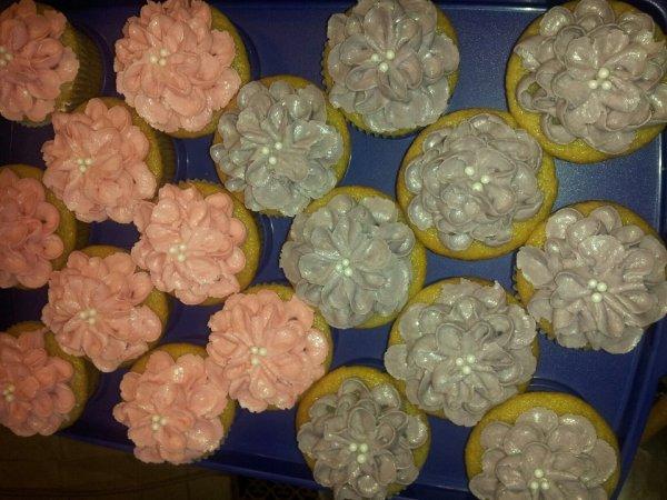 Vanilla Cupcakdes - Flower